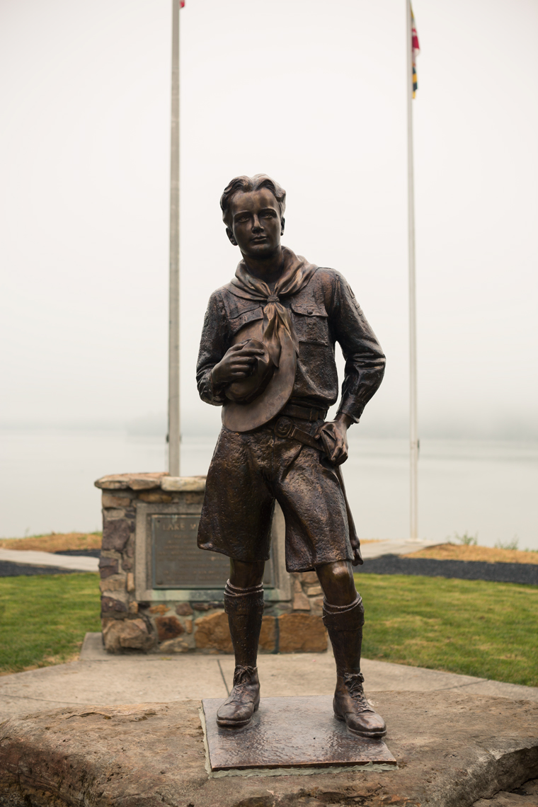 boy scout statue in fog, washington dc photojournalism