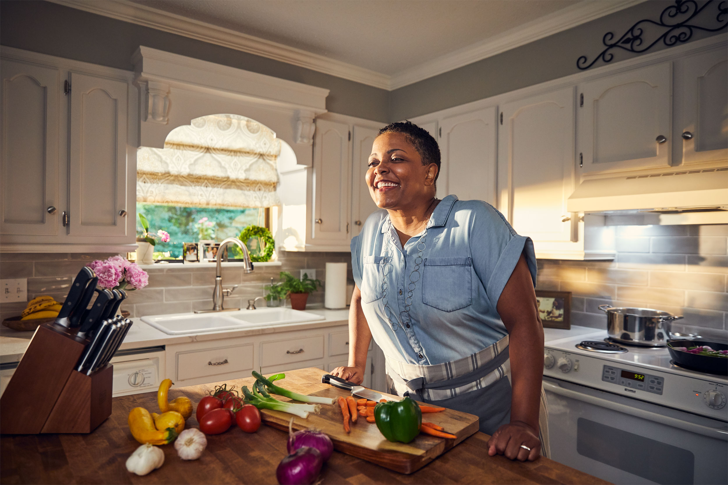 kitchen_cutting_vegetables_washington_dc_commercial_photography.JPG